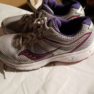 Saucony running shoes womens size 9.5